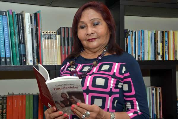 Sonia Manzano Vela