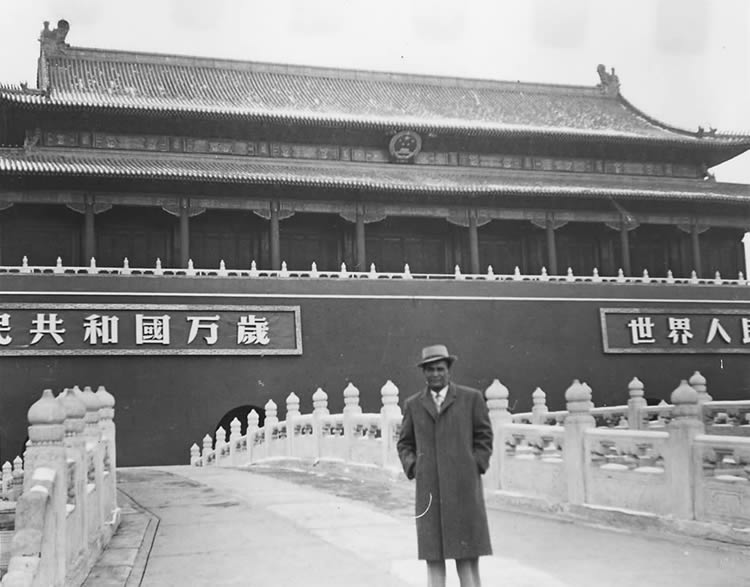 Nelson Estupiñán Bass in Beijing, China, 1960