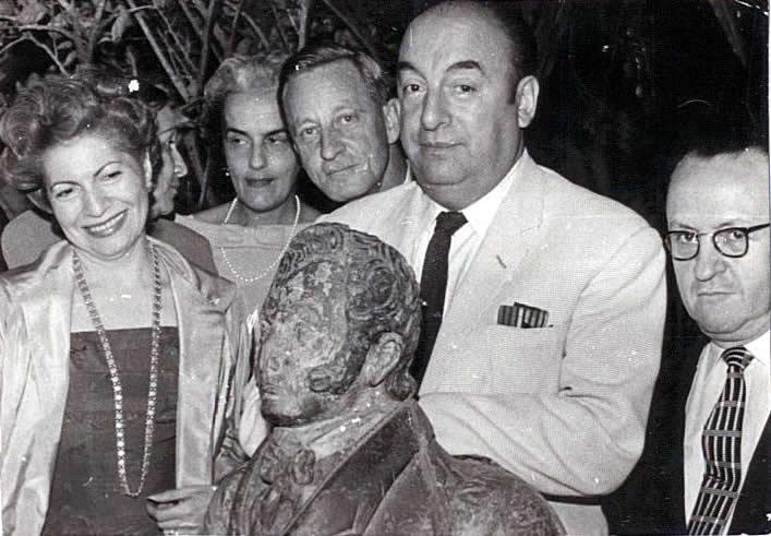 Alfonso Rumazo González with Pablo Neruda