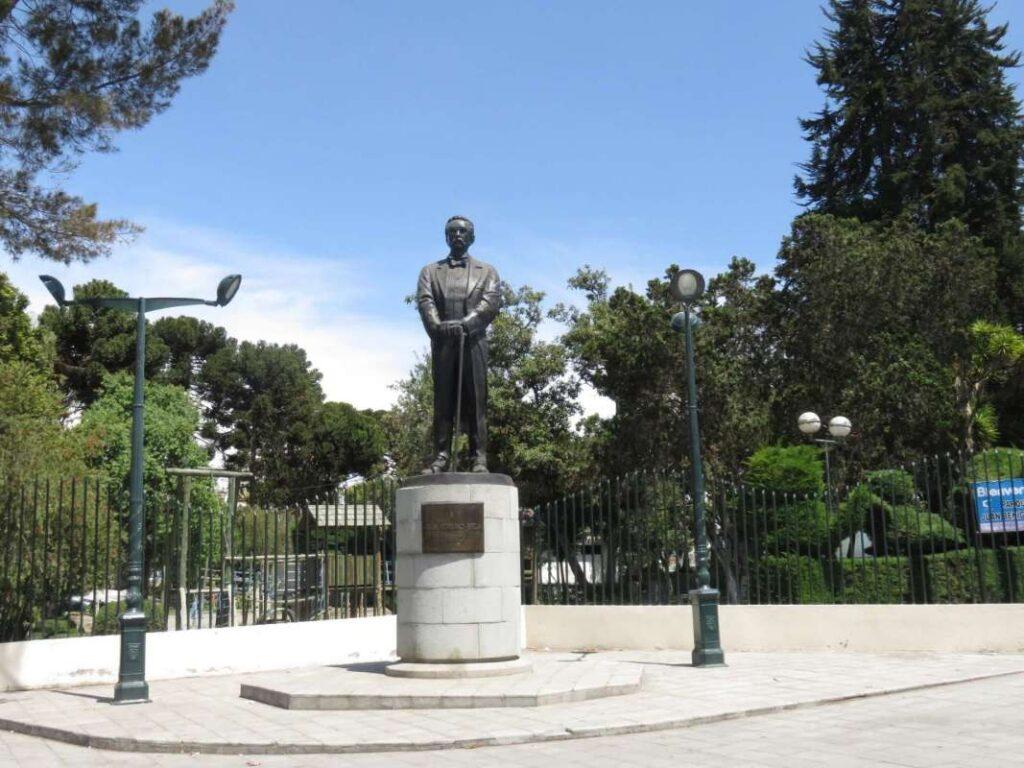 Monument of Juan Benigno Vela in Ambato, Ecuador