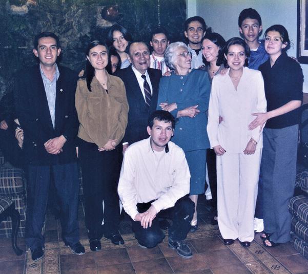 Antonio Lloret Bastidas with his grand children on his 80th birthday.